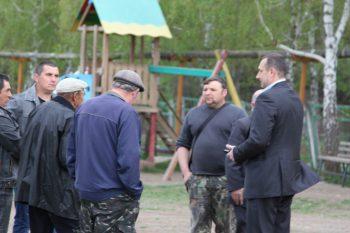 Глава администрации г.Судака, В.Н. Серов, на встрече с жителями сел Переваловка, Грушевка, Холодовка